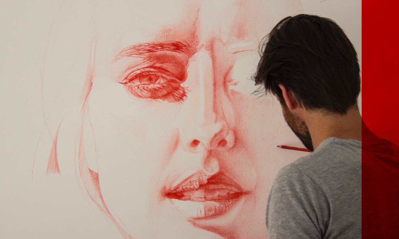 Daan Noppen working on a big scale drawing